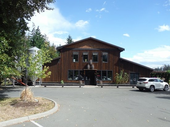 Campbell River, Kanada: FRONT OF THE DISTILLERY