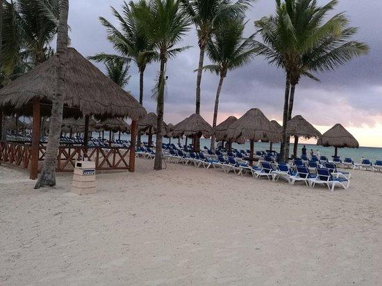 Grand Riviera Princess All Suites Resort & Spa: IMG_20160817_062304_large.jpg