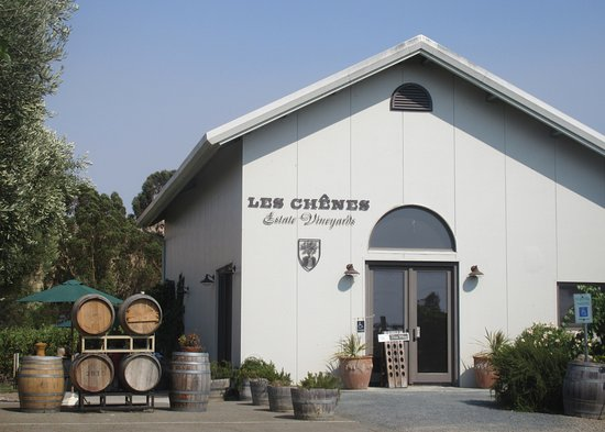 ‪Les Chenes Estate Vineyards‬