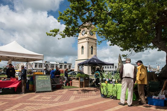 Feilding Farmers' Marketing held every Friday in the Town Centre