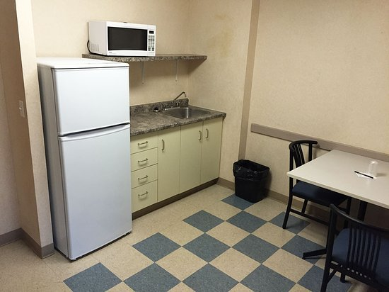Residence & Conference Centre - Kitchener-Waterloo : kitchen