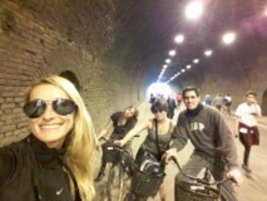 Dos Ruedas Una Huella - Bike Rosario: cierran todas las calles..y podes pasar por el tunel..