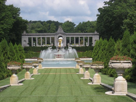 วิลมิงตัน, เดลาแวร์: Formal garden view from the front of the house.