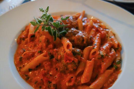 Chesca's Restaurant: Pasta