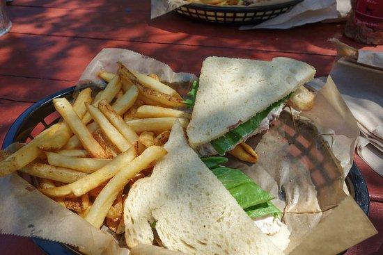 Vineyard Haven, MA: Sandwich