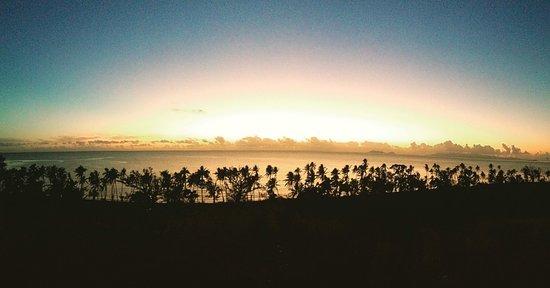 Вити-Леву, Фиджи: sunrise on the hill