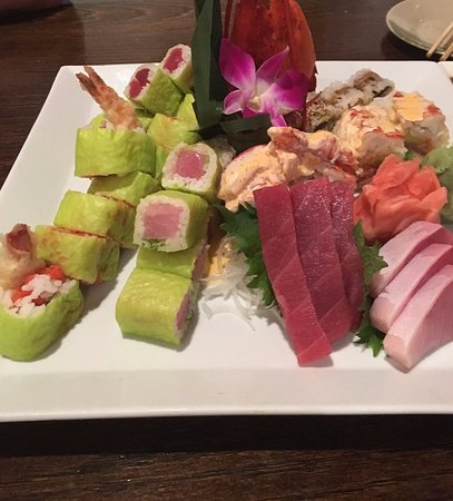 Ikko Japanese Steak House: sashimi and sushi