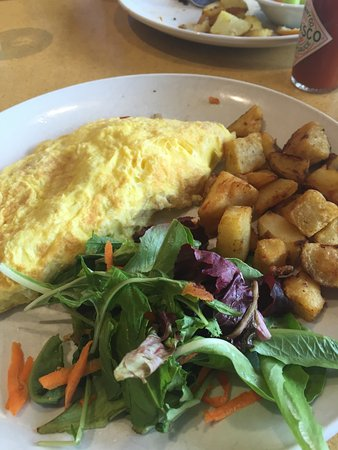 Belmont, CA: Omelette with Salad and Potatoes