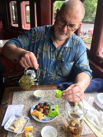 Huxinting Teahouse (Huxinting Chashi): A delightful tea set