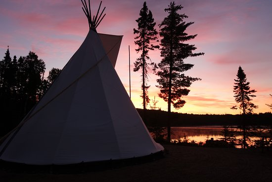 La Tuque, Canada: Nuit au tipi