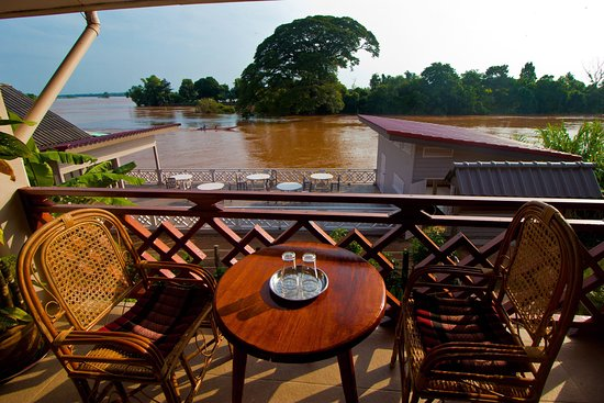 Don Det, Laos: Table on a balcony first floor