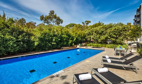 Quest North Ryde: pool