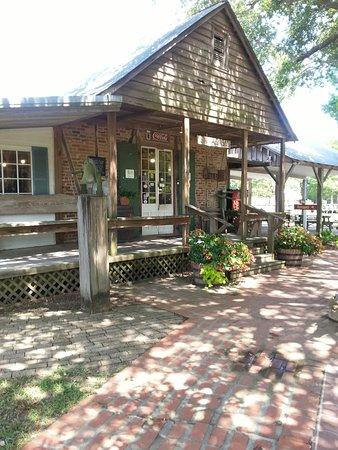 Acadian Village: 20160707_111927_large.jpg