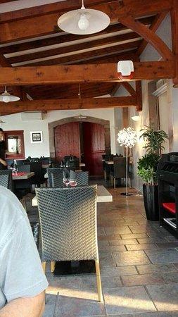 Hotel Restaurant Mendy Photo