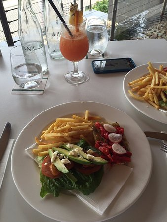 Tides Restaurant & Bar: Lunch - Vegetarian custom meal