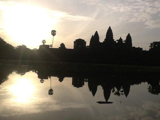 Petit Villa Boutique & Spa: Angkor Wat at sunrise