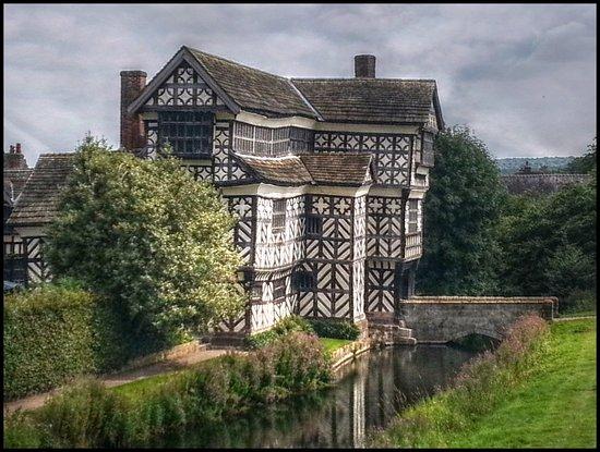 Congleton, UK: Hall & Moat