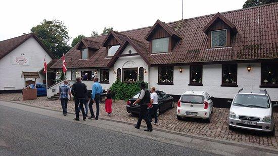 Farup, Danmark: Flot gammel kro
