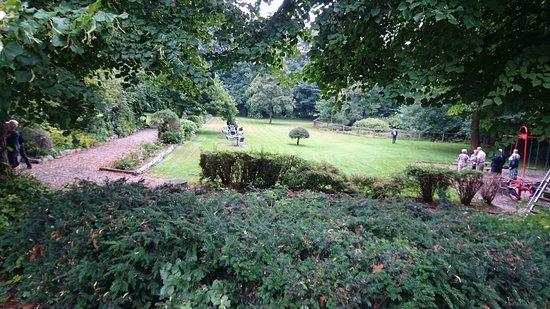 Farup, Danmark: Grønne områder med legeplads