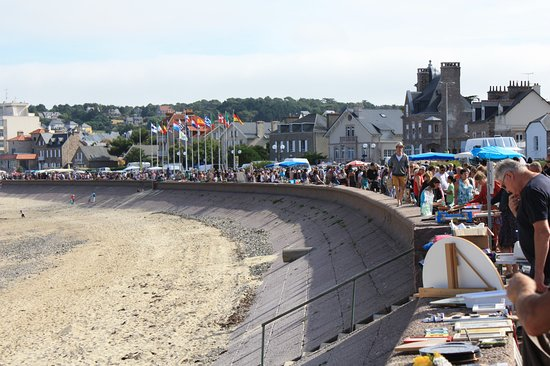Hotel Beausejour : Being France, we had to have a Vide Grenier on Sunday morning that just filled the promenade