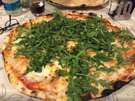 San Martino Alfieri, Ιταλία: Pizza Strarucola : stracchino e rucola