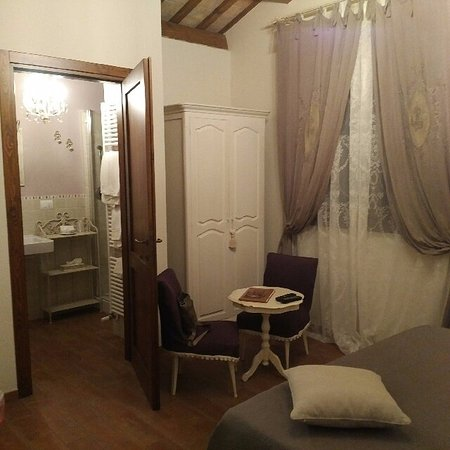 Serrungarina, Italia: Camera