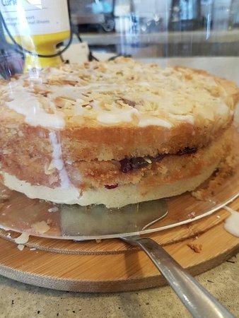 Appledore, UK: Cake for every taste bud ...