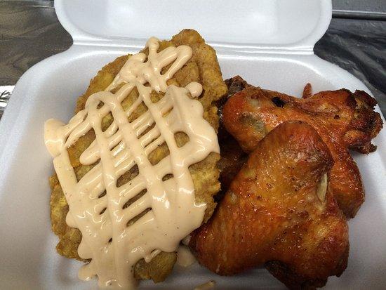 Esperanza, Puerto Rico: fried chicken wings ,fried plantain