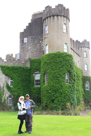Malahide, Irland: How beautiful are the grounds.