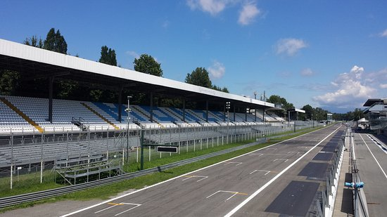 circuit monza vue du podium photo de autodromo nazionale monza monza tripadvisor. Black Bedroom Furniture Sets. Home Design Ideas