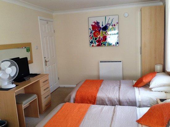 Swanley, UK: Twin room