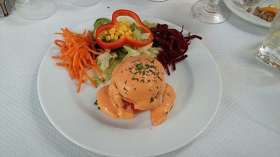 Can Granyela: Tomate rellenado de atún