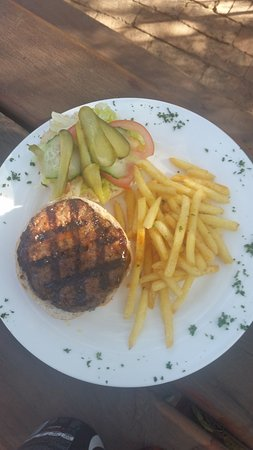 Centurion, Afrika Selatan: beef burger with chips