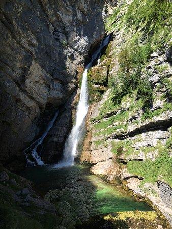 Bohinjsko Jezero, Σλοβενία: a vízesés