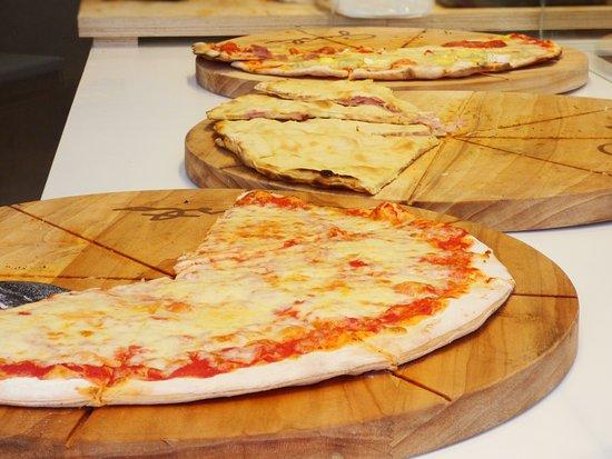 gusto pizza picture of gusto gelato pizza antibes tripadvisor. Black Bedroom Furniture Sets. Home Design Ideas