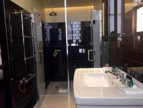 img-20160920-wa0000_large - picture of hotel saint-marc, paris