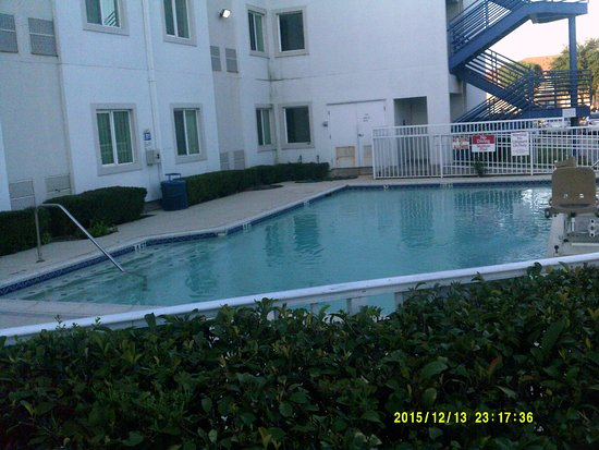 Motel 6 Dallas Northwest: pool