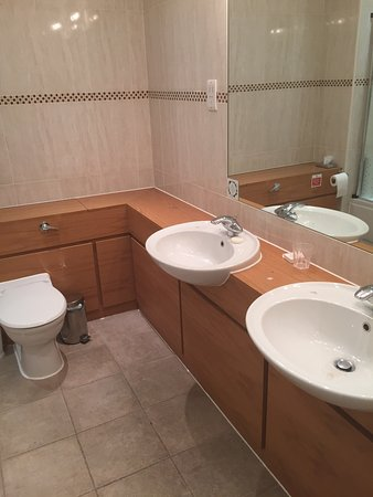 Thurnham, UK : Large en-suite