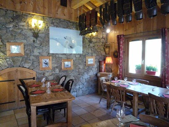 Vallorcine, Francia: Salle de restaurant très accueillante