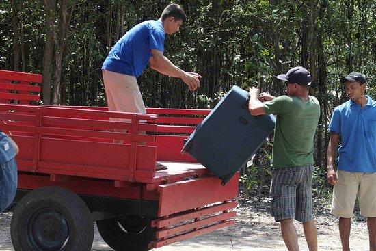Amazon Ecopark Jungle Lodge: Trasbordo bagagli