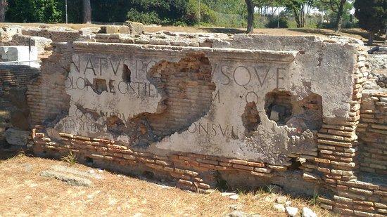 Ostia Antica, Italia: P_20160821_122041_large.jpg