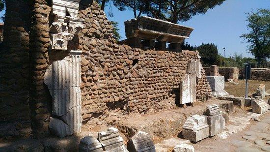 Ostia Antica, Italia: P_20160821_122152_large.jpg