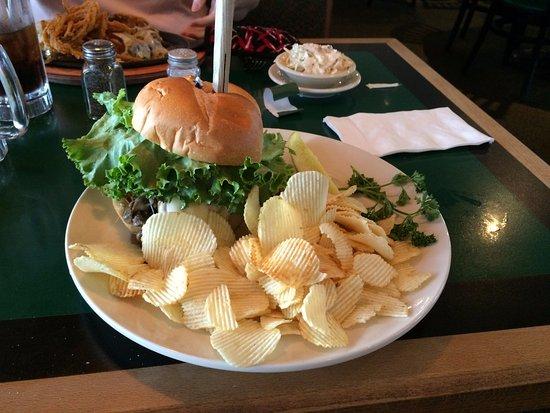 Dukes Bar & Grill: Ultimate Burger