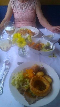Hoghton, UK: Main course Roast beef choice