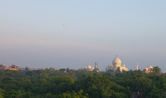 Hotel Taj Plaza: Sunrise