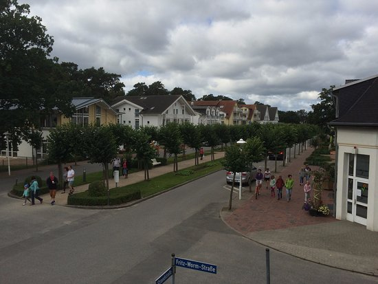 Ostseebad Baabe, Alemania: Blick auf die Strandstraße