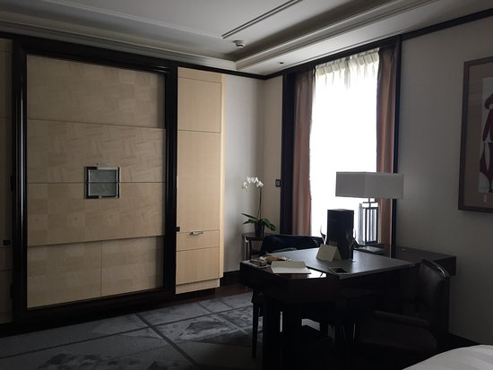 The Peninsula Paris: Television, Coffee Machine And Mini Bar In Cabinet,  Office Desk