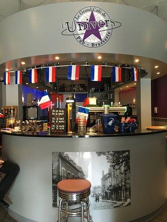 Beaulieu-sur-Dordogne, Francia: Le bar
