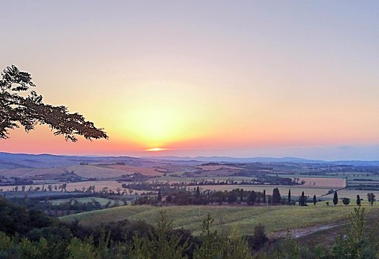 Buonconvento, Ιταλία: Beautiful views on surrounding landscape