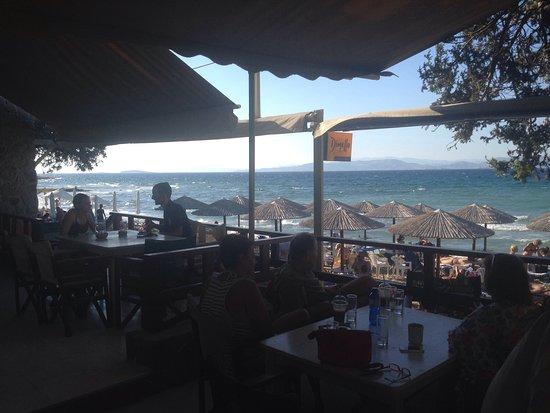 Aerides Beach Bar - Restaurant: Vista dal tavolo!!!
